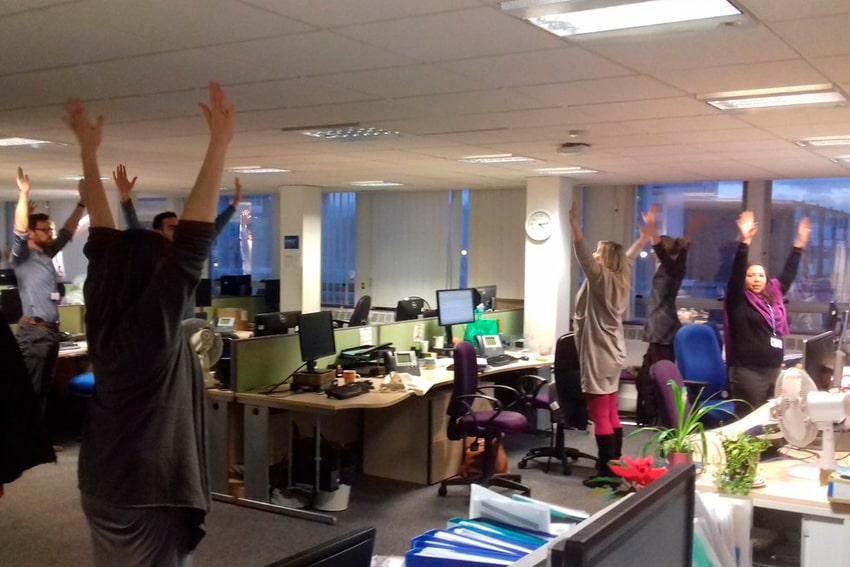 pausa activa en oficina santiago